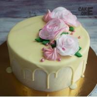 Торт с белыми розами