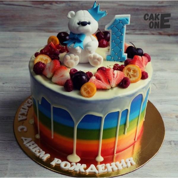Торт-радуга с медвежонком