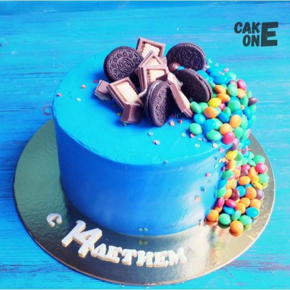 "Голубой торт с ""M&M's"""