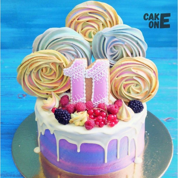 Торт на 11 лет с цветным зефиром