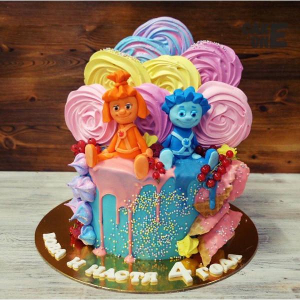 """Разноцветный торт с """"Фиксиками"""""""
