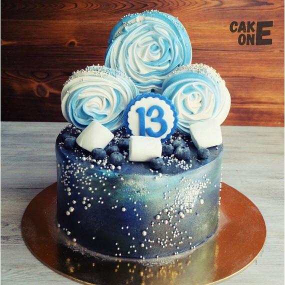 Черный торт с голубым зефиром