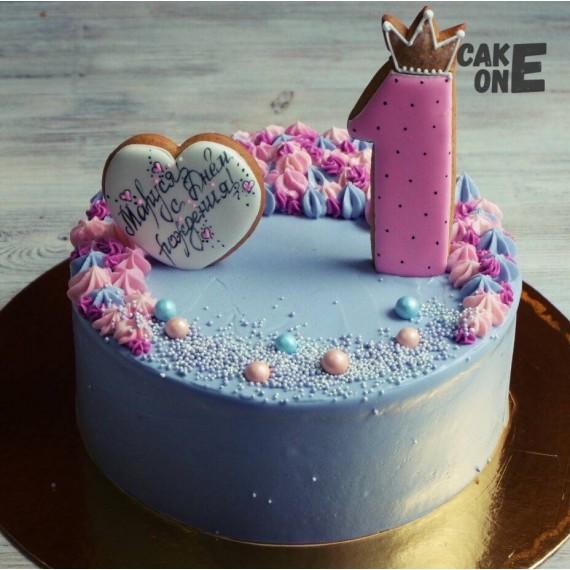 Голубой торт на 1 год с белым сердечком