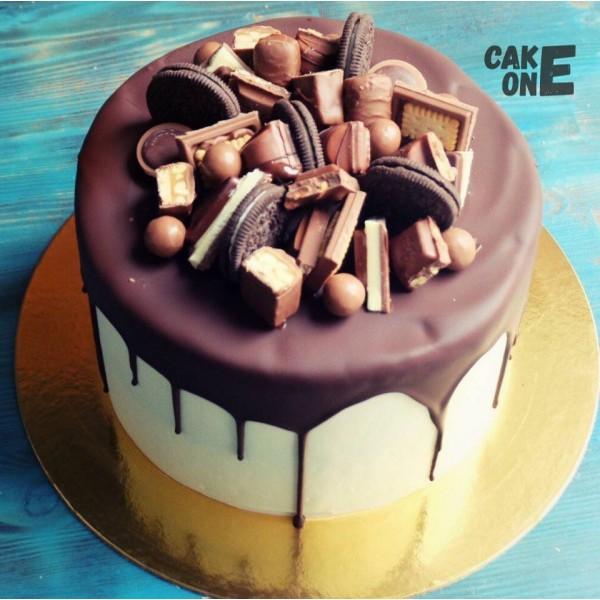 Торт с шоколадными конфетами