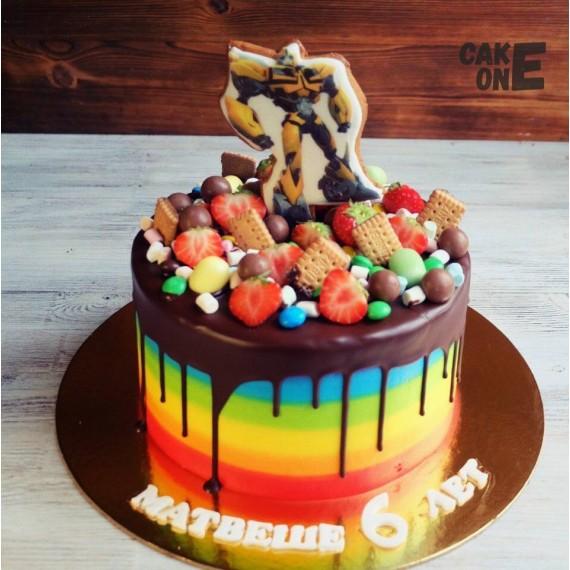 """Торт-радуга с """"Бамблби"""""""