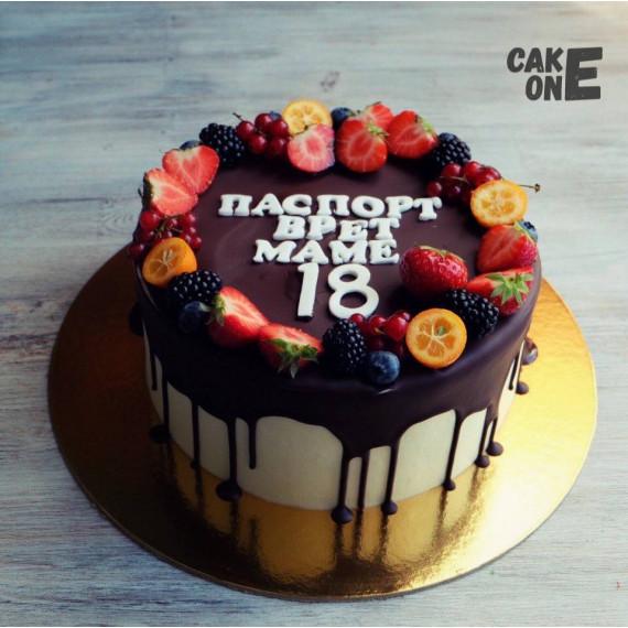 Торт с шоколадной глазурью для мамы