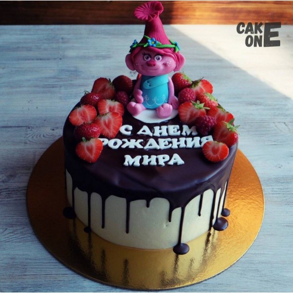 Торт-радуга с Принцессой Розочкой