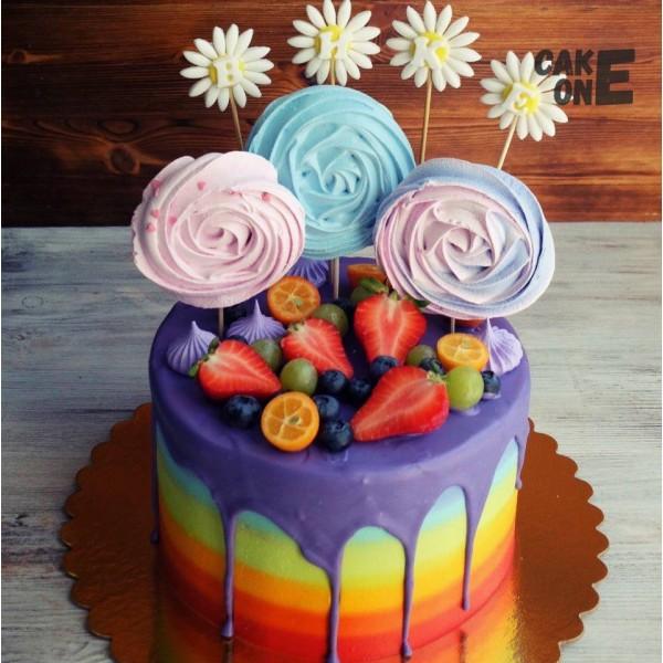 Торт радуга с фиолетовой глазурью и безе