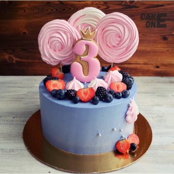 Голубой торт с розовым зефиром