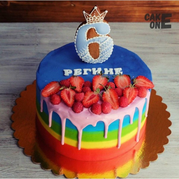 Торт-радуга на 6 лет с ягодой