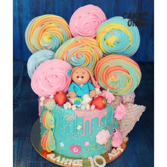 Торт с разноцветным зефиром и зайкой