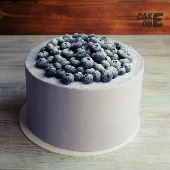 Серый торт с черникой