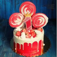 Красный торт с красно-белым зефиром