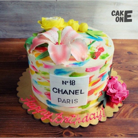 """Разноцветный торт """"CHANEL"""" с цветами"""