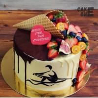 Торт с силуэтом гребца и вафельным рожком