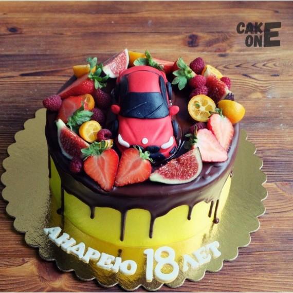Торт с красной машиной