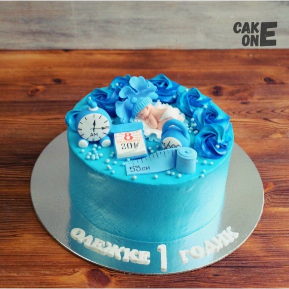 Синий торт с метрикой с младенцем