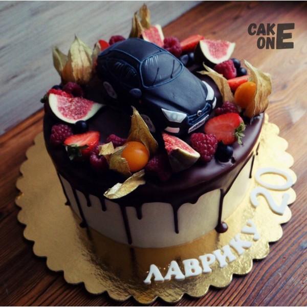 Торт с черным автомобилем