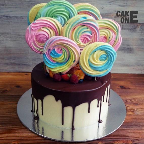 Торт с разноцветным зефиром