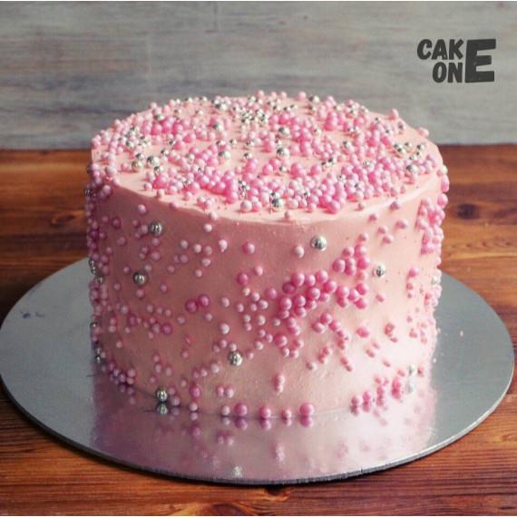 Розовый торт с жемчужинами