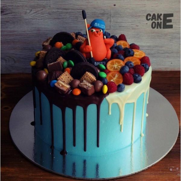 Голубой торт с рыжим котом