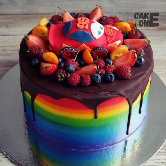 """Торт-радуга с """"Молния Маккуин"""""""