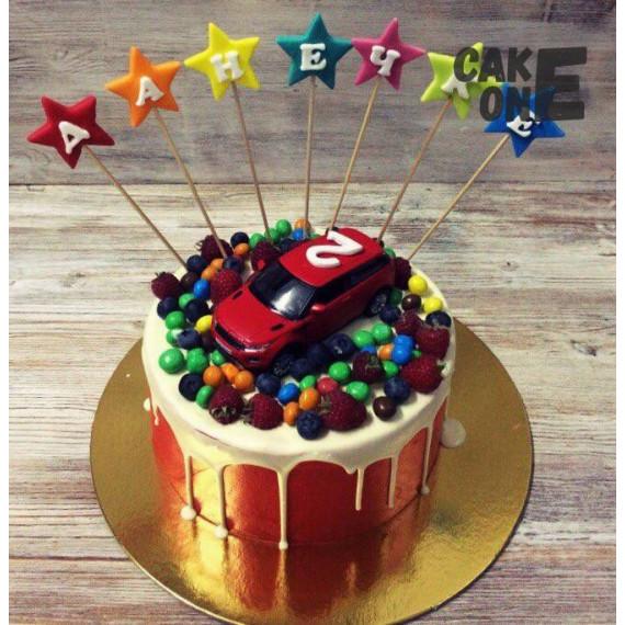 Торт с машиной и конфетами