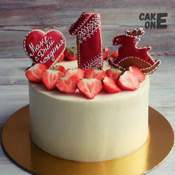 Белый торт с пряниками